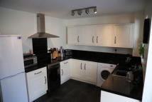 3 bed property to rent in Favell Drive, Furzton MK4