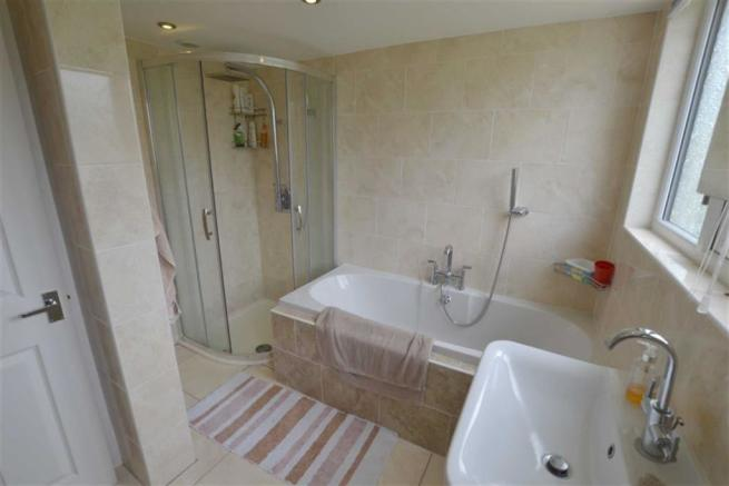 Bathroom/Shower/WC