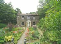 4 bedroom Detached property in Luddenden