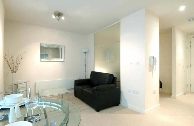 Studio Apartment To Rent In Spectrum Block Blackfriars Road