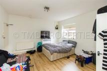 Flat to rent in Princes Avenue...