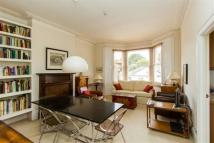 Flat to rent in Cromwell Place, Highgate