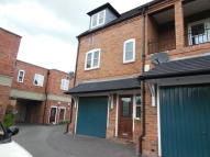 Town House to rent in Mercia Court, Repton...