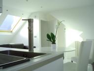 Studio apartment to rent in Ellesmere Road, Chiswick...