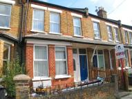 Maisonette to rent in Grosvenor Road, Hanwell...