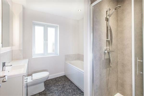Bathroom - furnishe