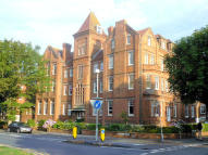 2 bedroom Ground Flat to rent in Bouverie Road West...