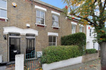 2 bedroom home to rent in Bramford Road, London...