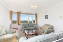 2 bedroom Flat in Fitzhugh Grove...