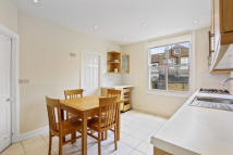 Flat to rent in Aslett Street ...
