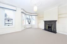 Flat to rent in Cicada Road, Wandsworth...