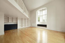 3 bedroom Apartment in Royal Victoria Patriotic...