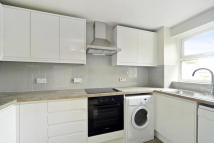 Flat to rent in Henry Doulton Drive ...