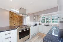 3 bed house to rent in St. Johns Hill Grove...