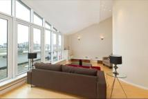 4 bed Flat in Price's Court, SW11
