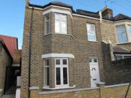 Flat to rent in Shortlands Road, Leyton...