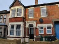 Flat to rent in Somers Road, Walthamstow...