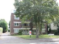 2 bedroom Flat in Woodford Road, London...