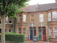 Flat to rent in Edward Road, Walthamstow...