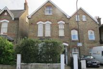 2 bedroom Flat to rent in Church Hill Road...