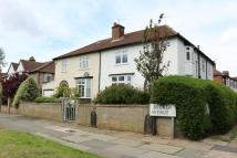 semi detached house to rent in Booker Avenue...