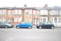 3 bed Flat in Humbolt Road...