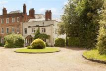 2 bed property in Ashtead House, Farm Lane...