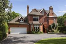 6 bedroom Detached home in Miles Lane, Cobham...