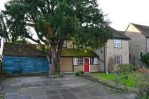 5 bedroom semi detached property in Cozens Lane East...
