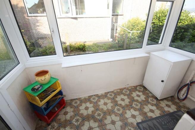 Rear Porch/Utilty