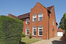 4 bedroom semi detached house in Westgate Road, Newbury...