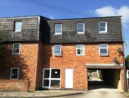 2 bed Flat to rent in London Road, Marlborough
