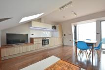 Flat to rent in Lindrop Street, London...