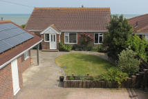 3 bed Bungalow for sale in WEST FRONT ROAD...
