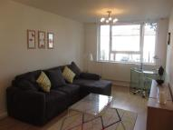 1 bed Flat to rent in BOLINGBROKE GROVE...