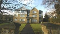 2 bedroom Flat in Parkwood Court, Roundhay...