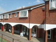 Flat to rent in Glastonbury Road...