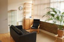 2 bed Flat to rent in Peckham Grove, London...