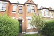 Flat to rent in Dunstans Road...
