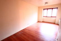 1 bed Studio apartment in Castle Court...