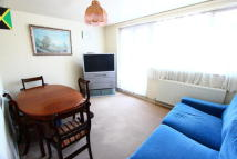 1 bedroom Flat in Duncombe Hill, London...