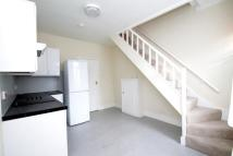 2 bed house in Yew Tree Road, Beckenham...