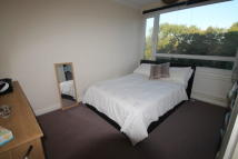 Flat to rent in Fairacres, Bromley, BR2