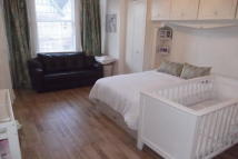 Maisonette in CAMBRIDGE ROAD, BROMLEY...