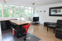 3 bedroom Flat in Highland Road, Bromley...