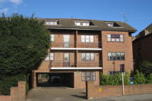 Flat to rent in Plaistow Lane, Bromley...