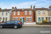 2 bedroom house in Bromley Crescent...