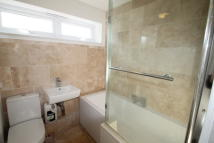 Town House in CORNFORD CLOSE, BROMLEY...