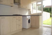 Terraced property to rent in NARROW WAY, BROMLEY, BR1