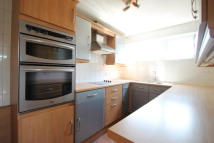 2 bed Flat to rent in WANSTEAD ROAD, BROMLEY...